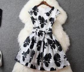Fashion New High Quality Sleeveless Floral Dress - Black